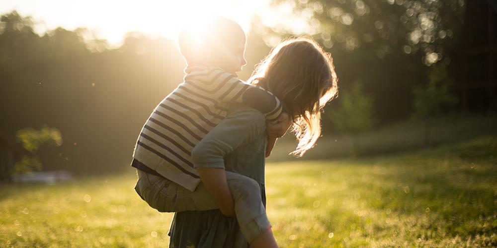 Föräldrar emellan – Balansen mellan ramar och kramar med Mikael Gunnardo