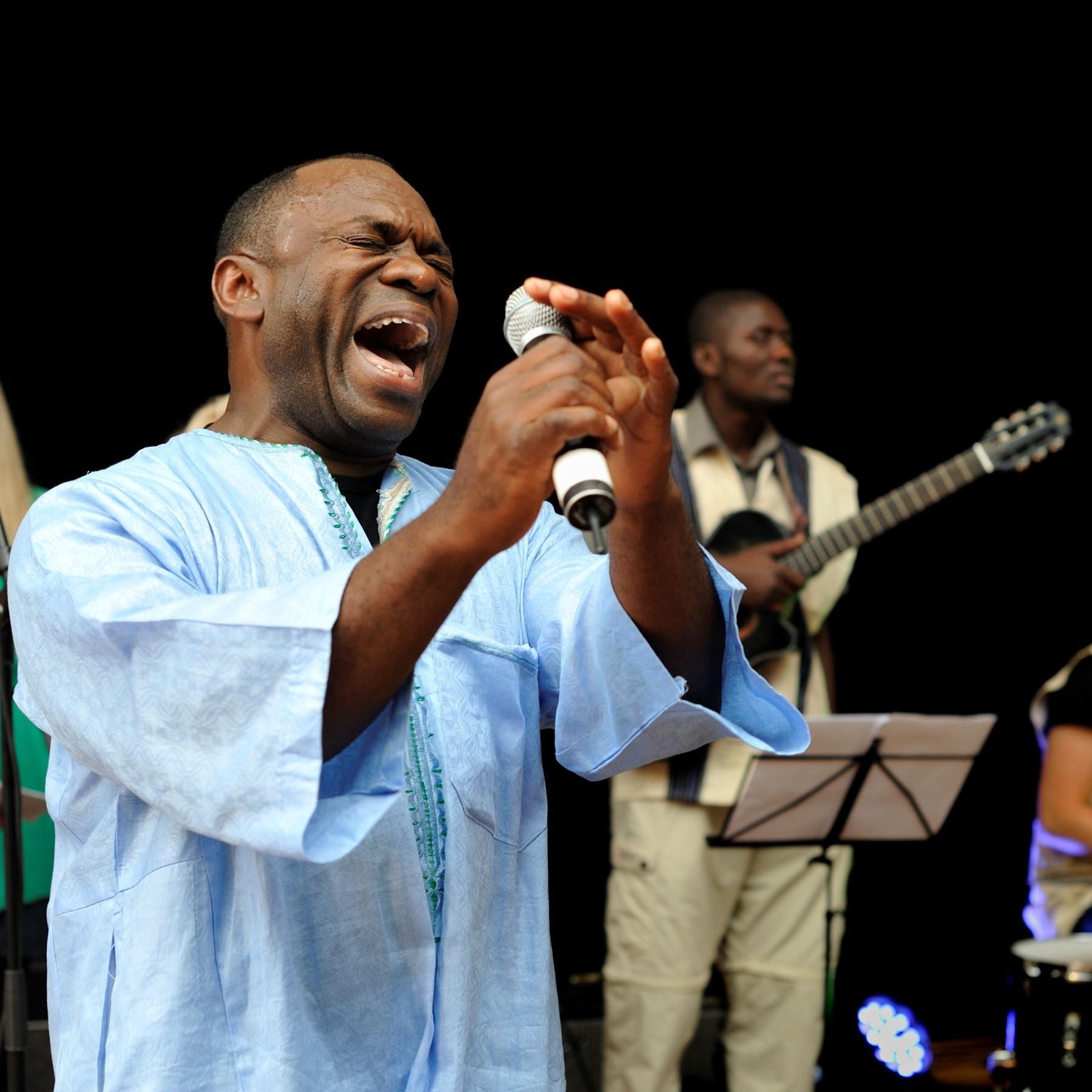 Konsert med Edo Bumba