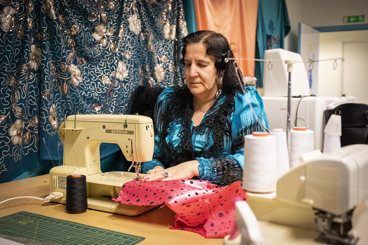 Visning av romskt klädmode